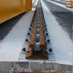 Platine de fixation rails